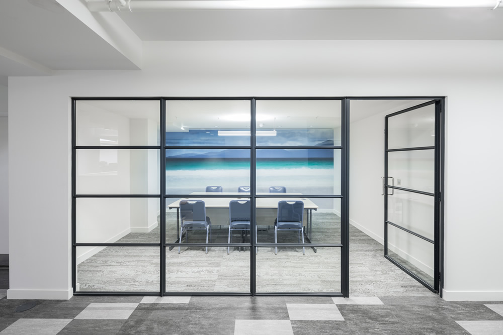 Steel screen partition from a meeting room