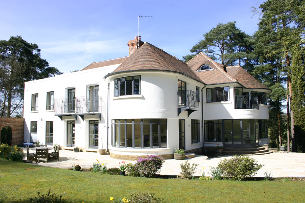 Clement EB24 steel windows in grey on a private residence in Surrey